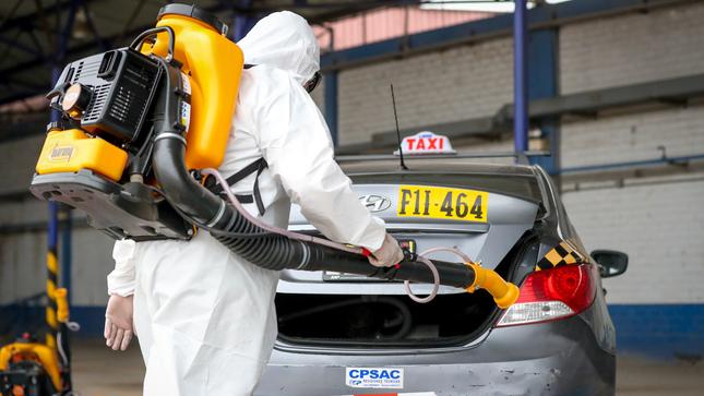 ATU desinfecta gratis taxis formales de Lima y Callao