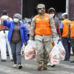 Familias vulnerables de Ventanilla reciben víveres