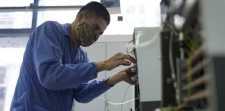 FAP repara 100 respiradores mecánicos para tratar coronavirus
