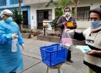 Pacientes reciben medicinas cerca a sus viviendas