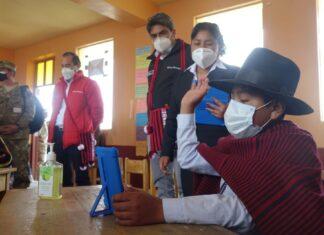 100,000 tabletas electrónicas para escolares y docentes de Puno