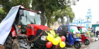 Entregan maquinaria a organizaciones agrarias