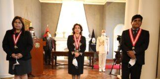 presidenta del Poder Judicial, Elvia Barrios Alvarado, tomó juramento a los magistrados Ángela Graciela Cárdenas Salcedo y Erazmo Armando Coaguila Chávez