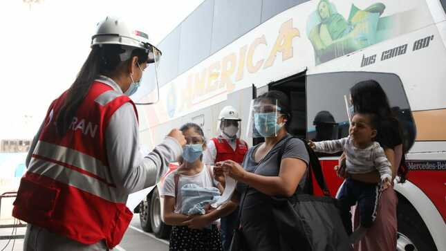 el viceministro de Transportes, Paúl Caiguaray, realizó una visita inopinada al Terminal Plaza Norte