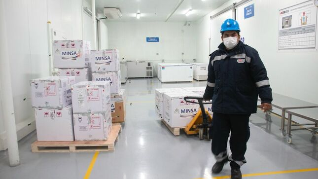 Minsa inicia distribución de segunda dosis de vacunas