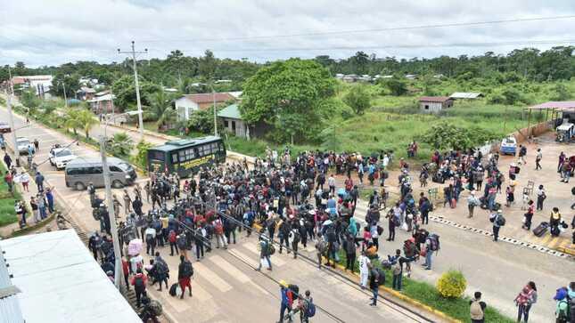 Migrantes haitianos ingresaron a la fuerza al Perú