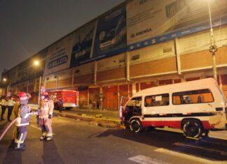 Combi asesina atropella a pareja en Av. Argentina