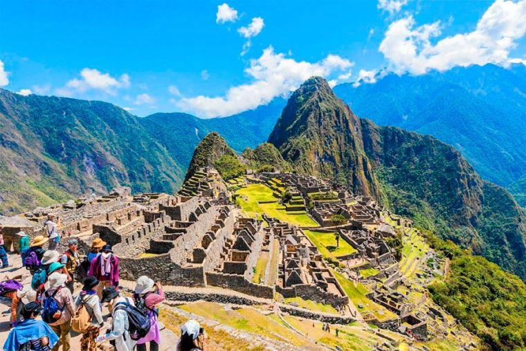 Empresarios peruanos participaron en importante feria turística francesa