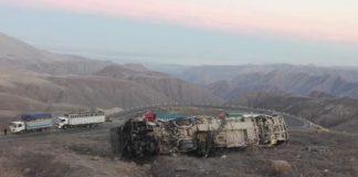 A 27 suben los fallecidos por despiste de bus en Nasca