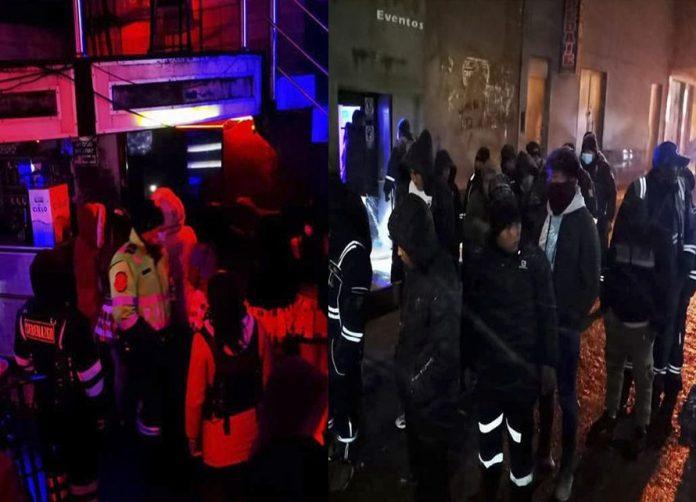 Detonan dinamita durante operativo a local