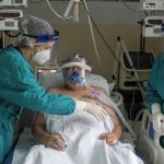 Luchan contra la escasez de oxígeno en hospitales del sur de EE.UU.