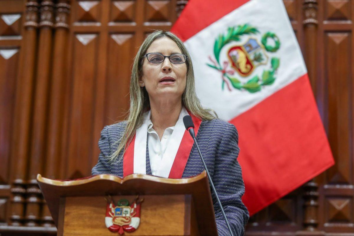 """María del Carmen Alva """"Castillo debe escuchar al pueblo"""""""