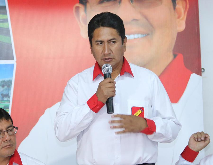 Cerrón 'amenaza' a Castillo por cambios en el Gabinete