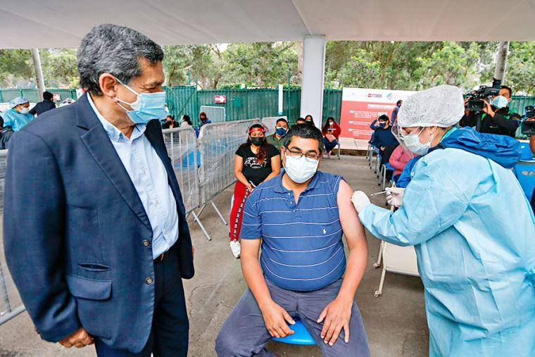 Mayores de 36 años serán inmunizados desde el miércoles