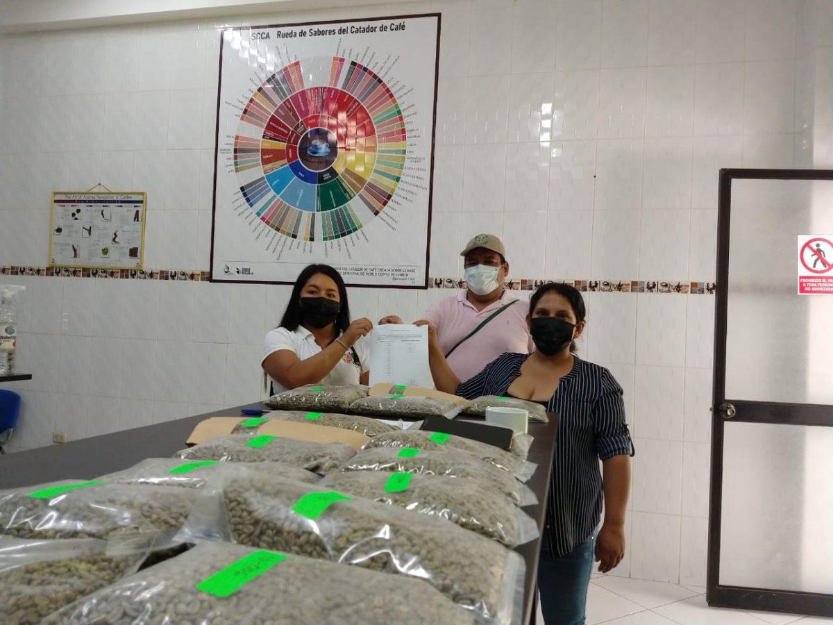 Compradores de Comercio Justo interesados en concurso Taza Dorada Perú