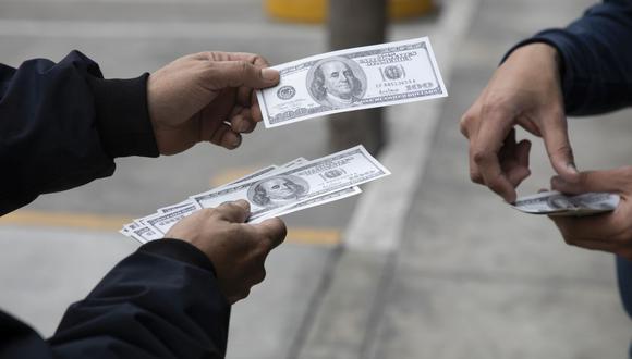 El dólar en el Perú alcanza precio récord