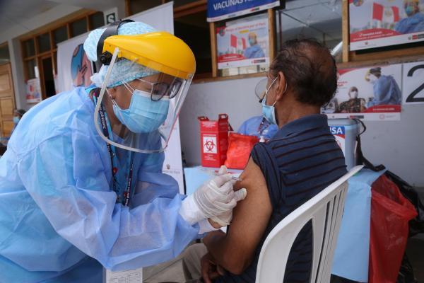 Más de 9 913 000 ciudadanos ya cuentan con primera dosis COVID-19