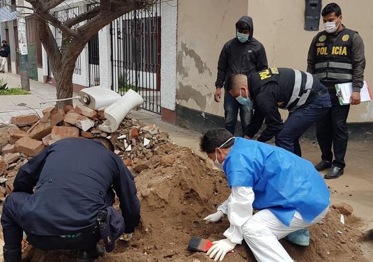 Encuentran cadáver al construir vivienda