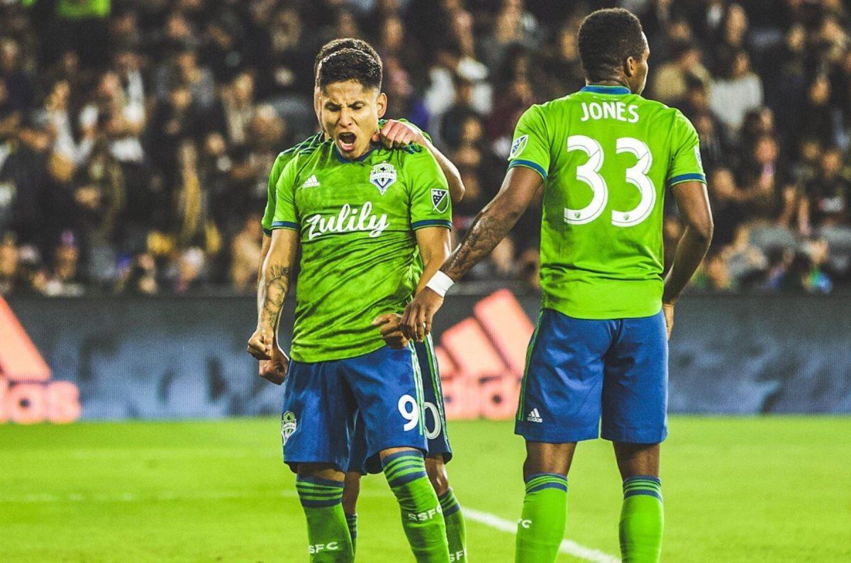 Raúl Ruidíaz marcó increíble doblete en triunfo de Seattle Sounders por la MLS