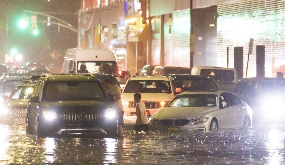 Inundaciones en Nueva York dejan 13 fallecidos