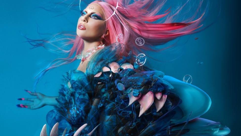 """Lady Gaga estrena nuevo álbum, """"Dawn of Chromatica"""""""