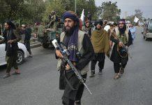Talibanes matan a ocho supuestos miembros del Estado Islámico