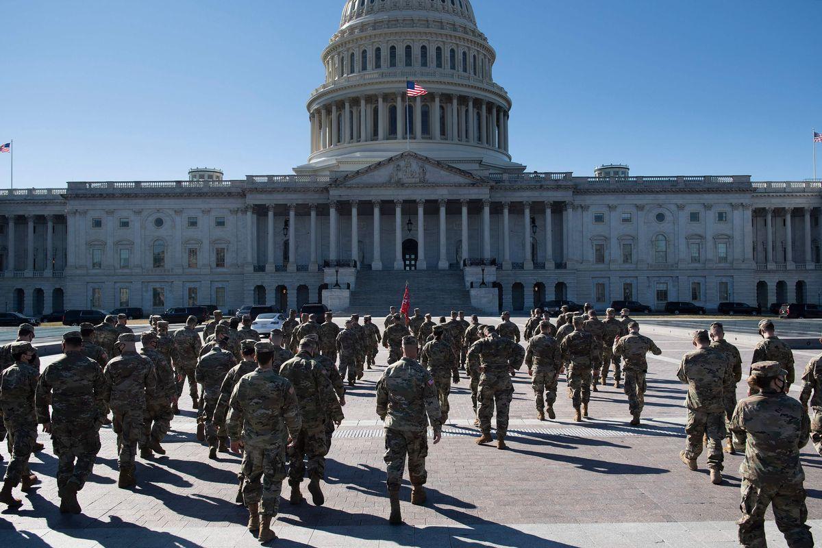 Refuerzan seguridad del Capitolio ante marcha de ultraderecha