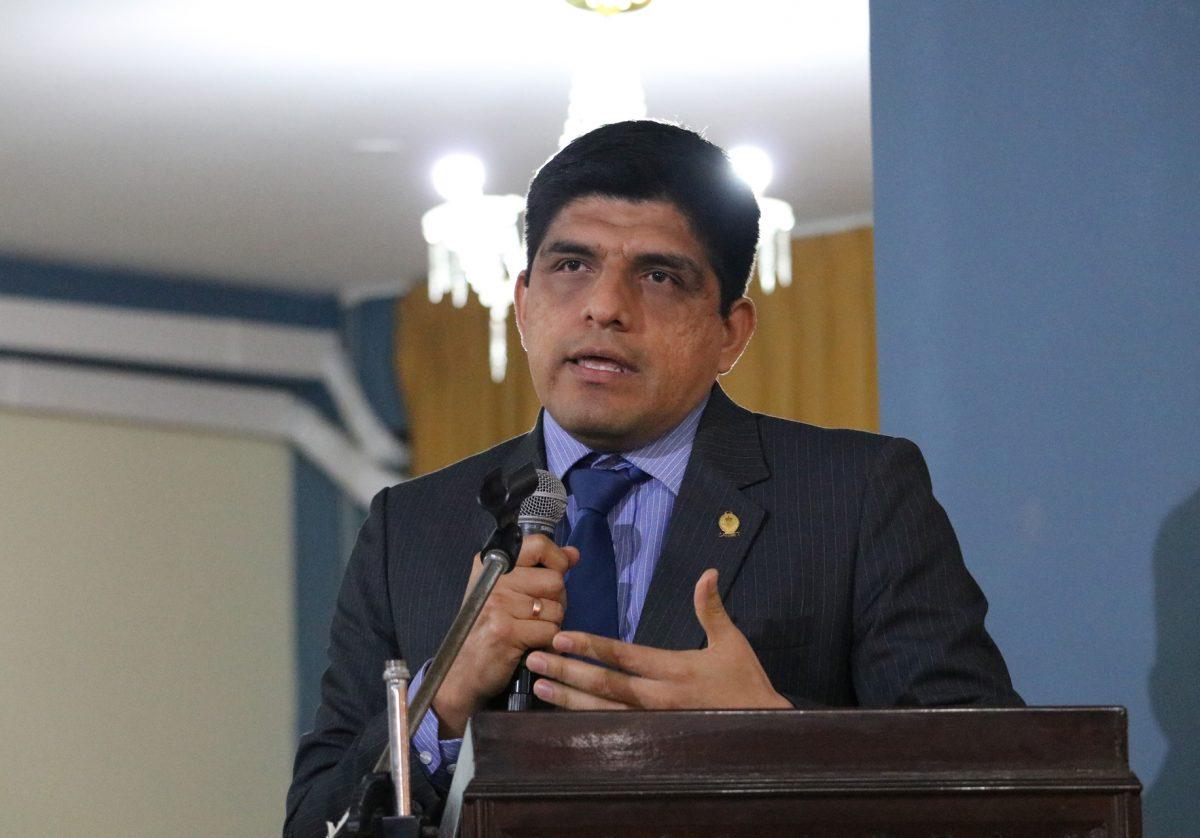 Carrasco dejó plantada a Comisiónde Fiscalización del Congreso