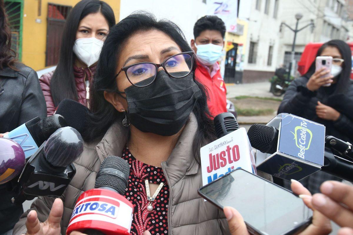 Otra congresista de Perú Librecon problemas con la ley