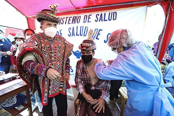Comunidades indígenas reciben más de 300 mil dosis contra el covid-19