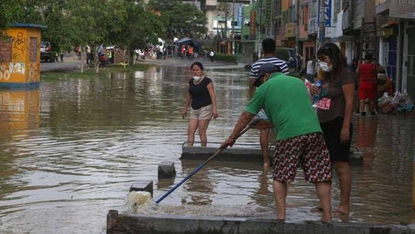 Vecinos sin agua en San Juan de Lurigancho piden soluciones a las autoridades