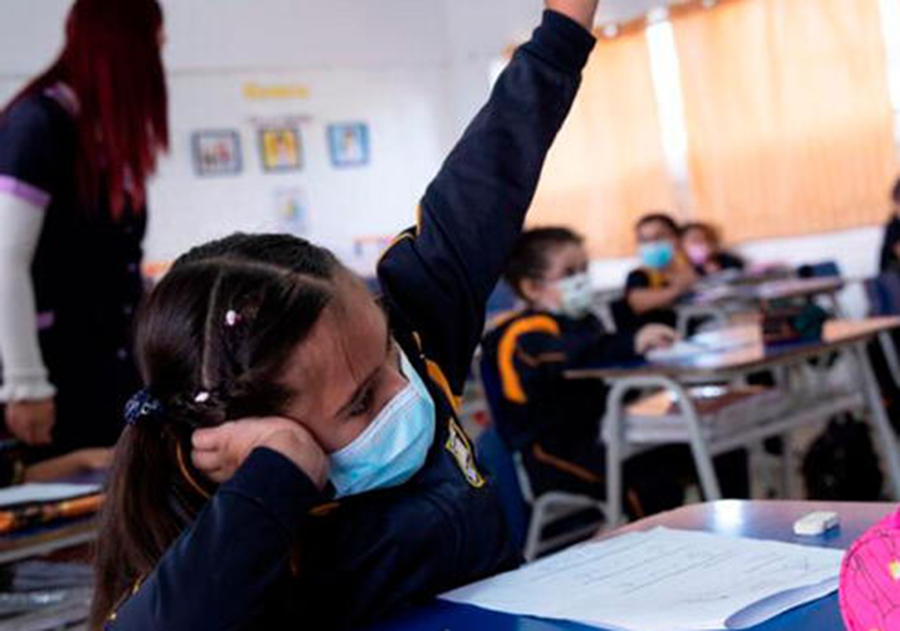 Objetivo es abrir 14 colegios privados y 5 públicos este mes