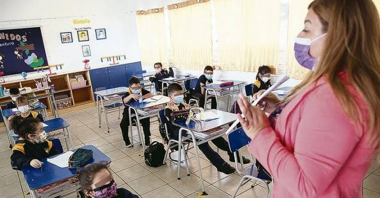 Realizan reunión para retorno a clases semipresenciales en Lima Este