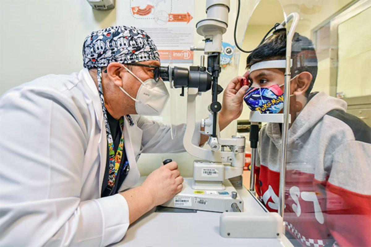 INSN hará cirugías de trasplante de córnea a niños y adolescentes