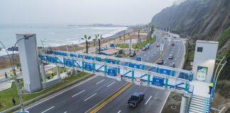 Puente peatonal inclusivo con ascensores en Miraflores