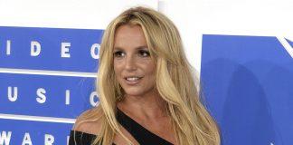 Padre de Britney Spears solicita el fin de su tutela después de 13 años