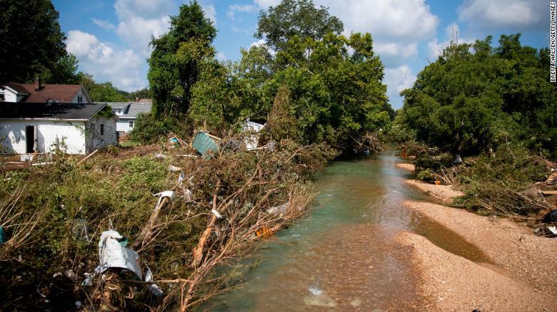 Tennessee: Mujer transmitió en vivo inundación antes de que le quitara la vida
