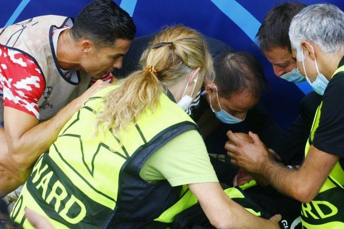 Cristiano Ronaldo noqueó de un pelotazo a una agente de seguridad