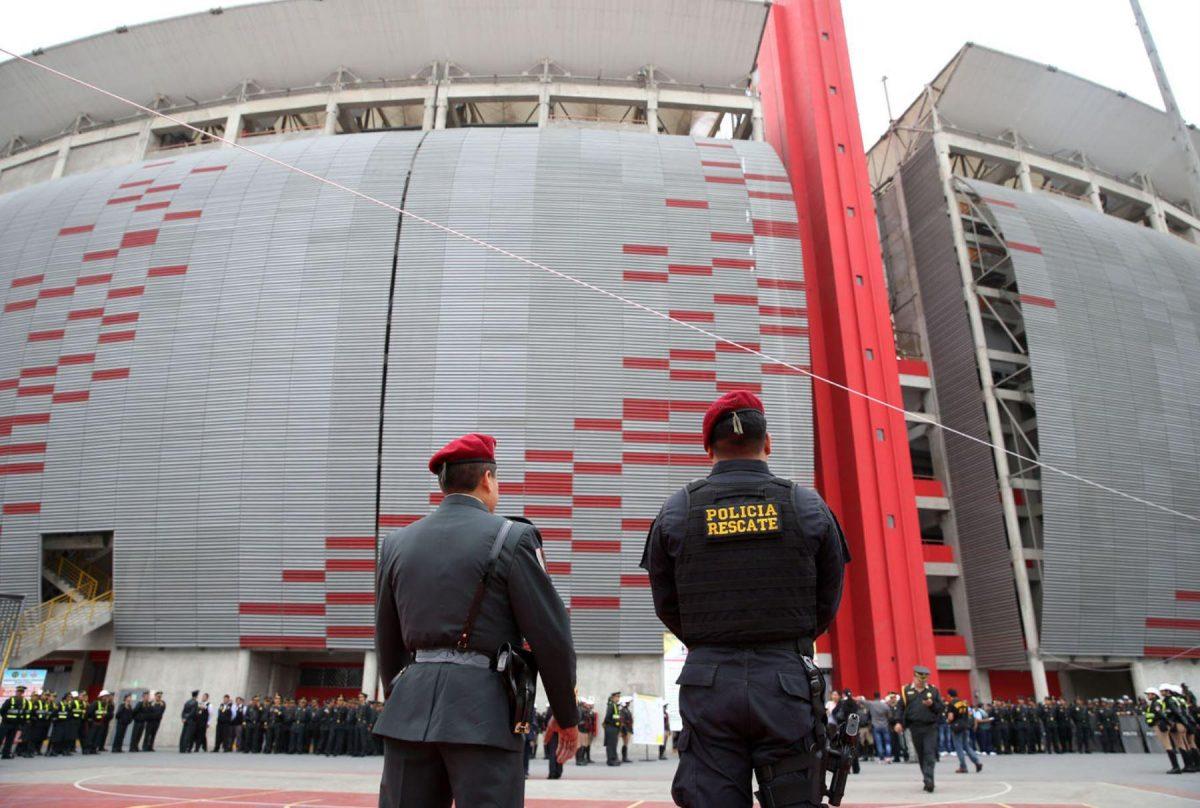 Perú vs. Uruguay: 1,800 policías resguardarán hoy el partido en el Estadio Nacional