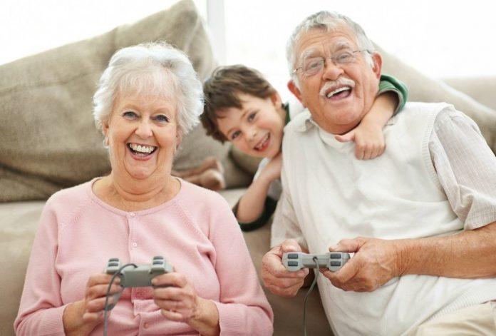 Los videojuegos no solo benefician a los niños, también ayudan a reducir el impacto de la vejez en los procesos cognitivos de las personas