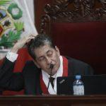 Eloy Espinosa-Saldaña, miembro del Tribunal Constitucional, confirmó su responsabilidad tras publicar dos artículos sin las citas debidas.