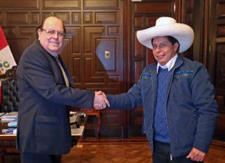 Julio Velarde y Pedro Castillo