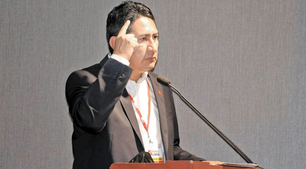 Cerrón no sabe cómo se maneja el dólar en el Perú