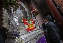 Pedro Castillo le reza al Nazareno