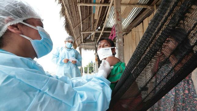 Más de 129 600 dosis aplicadas en comunidades nativas amazónicas