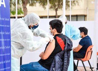 Cevallos resalta participación de las universidades en vacunación
