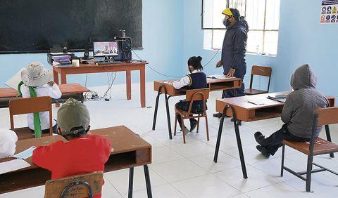 Sueldo mínimo de docentes será S/ 2,500 desde marzo del 2022