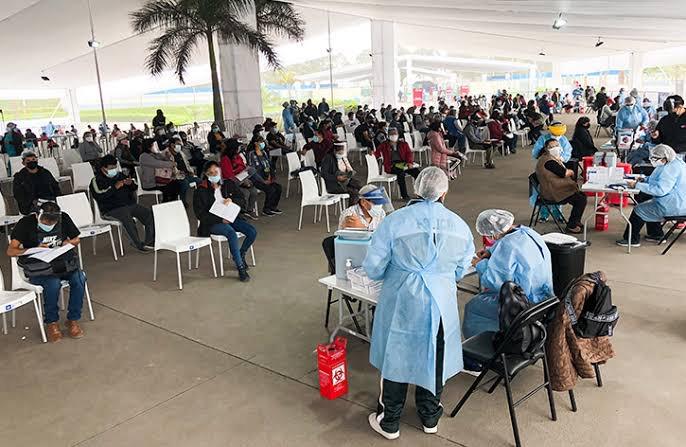 Vacunatorios de Lima y Callao atenderán con normalidad el viernes