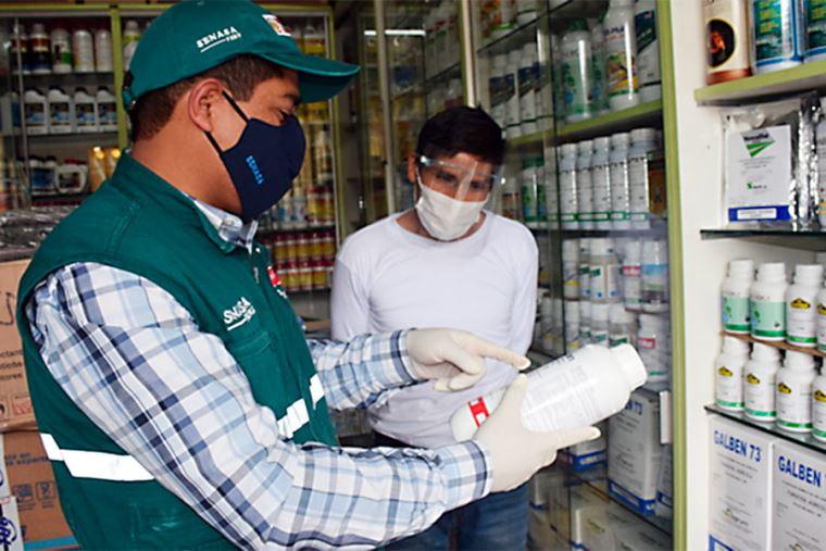 Prohíben importación de plaguicidas que contengan Carbofuran